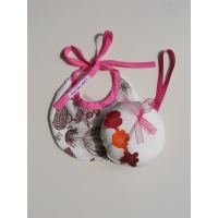 Pack naissance bavoir + guirlande Costume rose